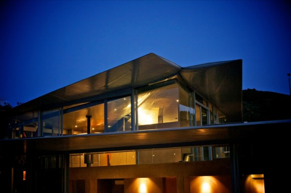 Boing_House_13-600x398