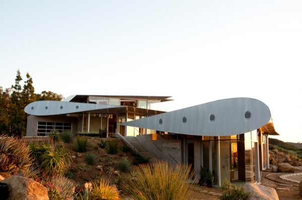 Boing_House_8-600x399