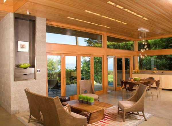 Ellis_Residence_living_room_with_view-600x440