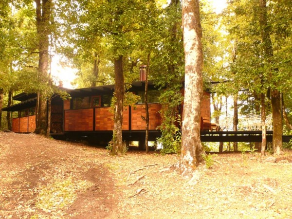 Recycled_Materials_House_13-600x450