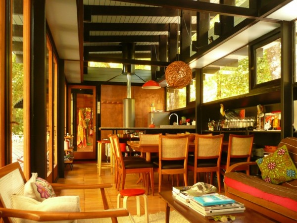 Recycled_Materials_House_5-600x450