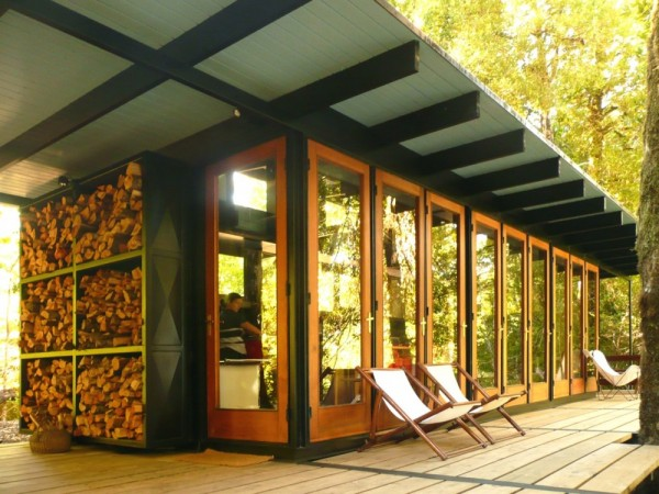 Recycled_Materials_House_8-600x450