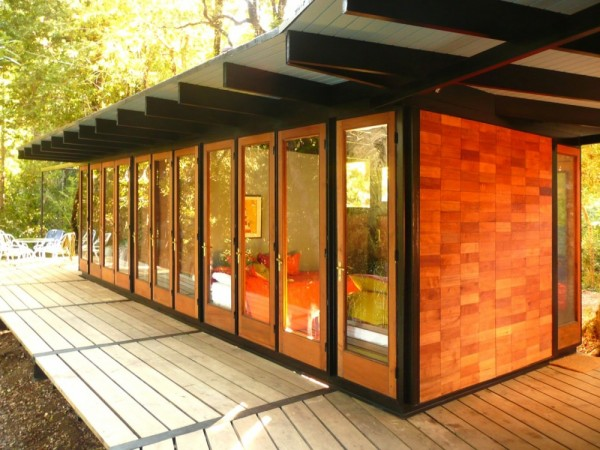 Recycled_Materials_House_9-600x450